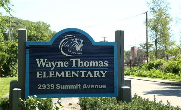 Wayne Thomas Sign